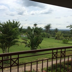 Photo taken at Le Méridien Ibom Hotel & Golf Resort by Oluwafunso A. on 4/11/2014