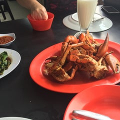 Photo taken at Dandito Seafood | Restaurant by Fitri on 9/2/2015