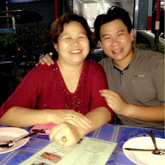 Photo taken at ข้าวต้ม ปังปอนด์ by Bandhit L. on 12/4/2012