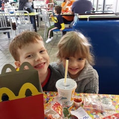Photo taken at McDonald's by Kevin R. on 11/24/2013