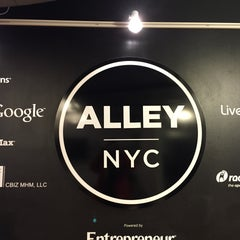 Photo taken at AlleyNYC by Milan ♠ v. on 12/15/2014