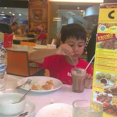 Photo taken at D'Cost Seafood by Ismi S. on 7/6/2013