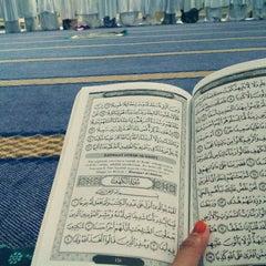 Photo taken at Masjid Nasiruddin Shah by Raja H. on 7/3/2014
