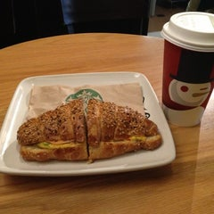 Photo taken at Starbucks by Stanley S. on 12/16/2012