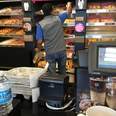 Photo taken at Dunkin' Donuts by Kortney E. on 1/21/2016