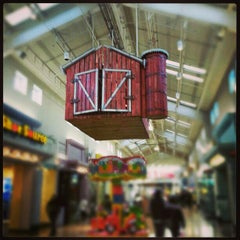 Photo taken at Gurnee Mills by Mitzi L. on 1/2/2013