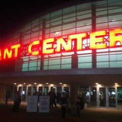Photo taken at Giant Center by Torsten W. on 11/30/2012