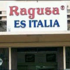 Photo taken at Ragusa Es Italia Restaurant & Ice Cream by Dee D. on 1/31/2013