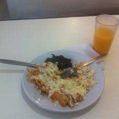 Photo taken at Restaurante Mariaeugenia by Mario Alberto S. on 10/18/2012