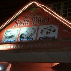 Photo taken at Restoran Sala Thai by wan dye on 4/20/2013