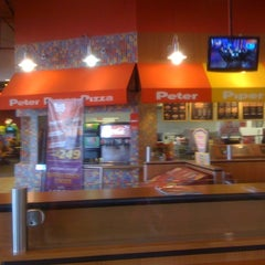 Photo taken at Peter Piper Pizza by Alberto L. on 12/14/2012