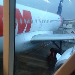 Foto tirada no(a) Check-in TAM por Edson R. em 10/12/2012