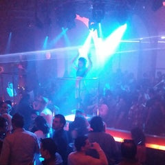 Photo taken at V Nightclub by DJ Fade™ on 2/28/2015