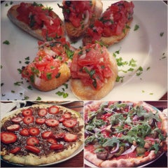 Photo taken at Gaslight Pizzeria by Ruchita S. on 6/23/2013