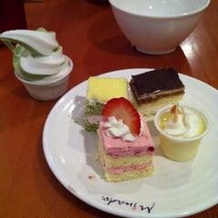 Photo taken at Minado Restaurant by Lesley R. on 5/4/2013
