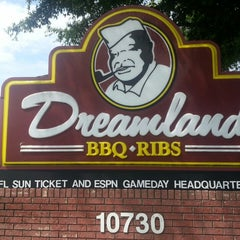 Photo taken at Dreamland BBQ by Ceasar A. on 7/20/2013