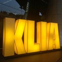 Photo taken at Kuala Lumpur International Airport (KUL) by Tengku Loreta T. on 7/14/2013