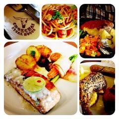 Photo taken at Chokchai Steak House (โชคชัยสเต็คเฮ้าส์) by Owie M. on 10/20/2012