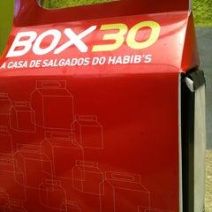 Photo taken at Box 30 Ragazzo Habib's by Renata S. on 1/22/2013
