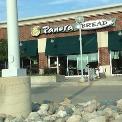 Photo taken at Panera Bread by Min Jung K. on 8/31/2013