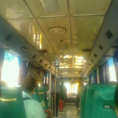 Photo taken at BMTA Bus 542 (รถเมล์ สาย 542) by Bo-At T. on 2/15/2013