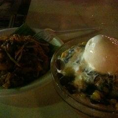 Photo taken at Asia Cafe by Thavamalar S. on 9/24/2012