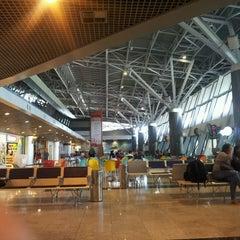 Photo taken at Aeroporto Internacional do Recife / Guararapes (REC) by Pedro A. on 6/19/2013