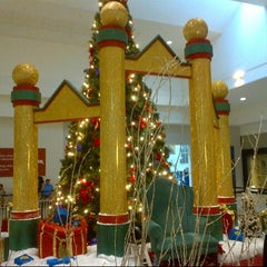 Photo taken at Gulf View Square Mall by Steven Z. on 11/12/2012