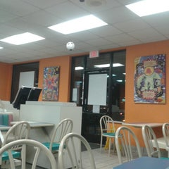 Photo taken at Taco Bell by Pablo V. on 10/16/2014
