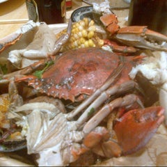 Photo taken at Epic Buffet at Hollywood Casino by Nancy M. on 11/24/2012