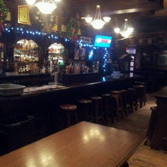 Photo taken at Doolin's Irish Pub by Luiz Fernando B. on 12/24/2012