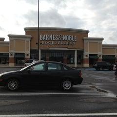 Photo taken at Barnes & Noble by Russell B. on 9/28/2012