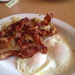 Photo taken at Bridgewater Diner by Robert K. on 3/31/2013