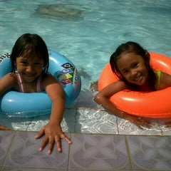 Photo taken at Tirta Wiguna Swimming Pool by Rizky M. on 3/2/2013