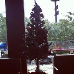 Photo taken at KFC / KFC Coffee by Maysi H. on 11/17/2013