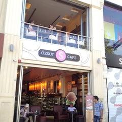 Photo taken at Özsüt by Chisato on 9/16/2012