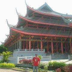 Photo taken at Sam Poo Kong Temple (Zheng He Temple) by Guntur Benedict H. on 9/22/2012