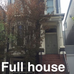"Photo taken at ""Full House"" House by Njoud F. on 8/19/2015"