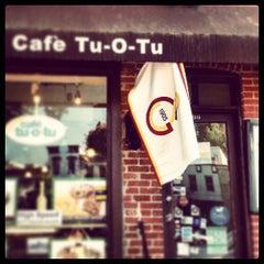 Photo taken at Cafe Tu-O-Tu by Yavuz I. on 6/30/2013