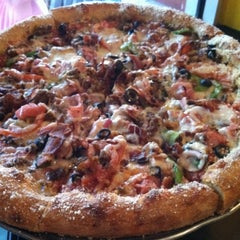 Photo taken at Mellow Mushroom by Monica T. on 4/11/2013