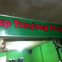 Photo taken at Sop Tunjang Pertama by Jazz N. on 5/1/2013