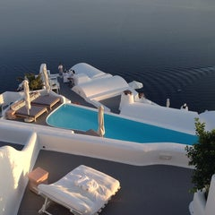 Photo taken at Katikies Hotel Santorini by Joni K. on 5/27/2014