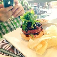 Photo taken at Lola Restaurante & Lounge by Hugo L. on 12/11/2013