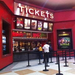Photo taken at Cines Unidos by Silvana F. on 11/27/2012