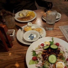 Photo taken at Cracker Barrel Old Country Store by b s. on 10/2/2012