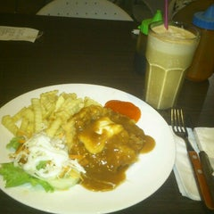 Photo taken at Solaria by Miss Candice S. on 9/23/2012