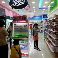 Photo taken at Boots (บู๊ทส์) by Lyana M. on 1/24/2013