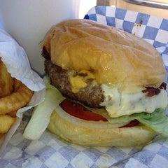 Photo taken at Scott's Burger Shack by Jeremy M. on 7/26/2013