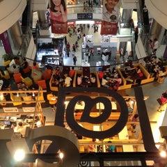 Photo taken at Eskimo Café & Fruit Dessert Bar by A G. on 11/3/2012