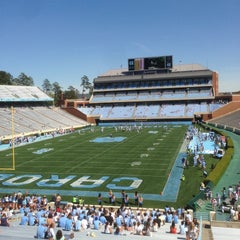 Photo taken at Kenan Memorial Stadium by Jefferson on 4/13/2013